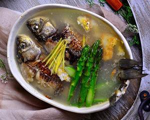 芦笋鲫鱼汤